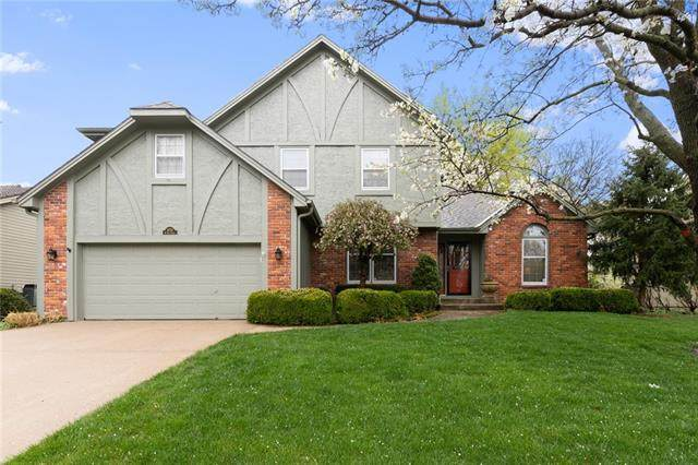 14712 W 81st Street, Lenexa, KS 66215 (#2314474) :: Five-Star Homes
