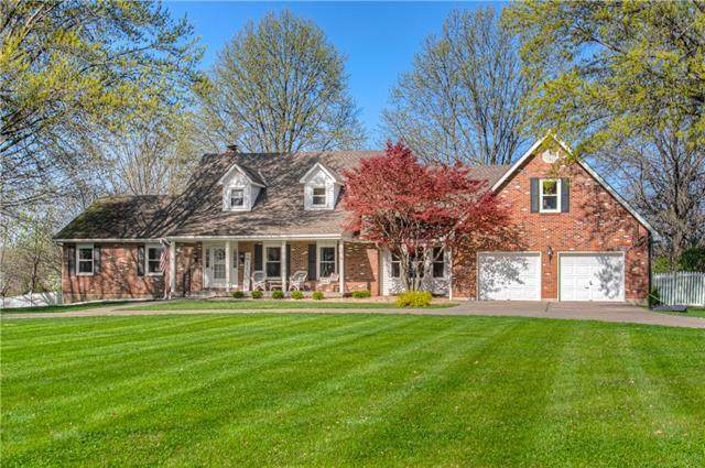 3318 S Bellechasse Drive, Grain Valley, MO 64029 (#2314529) :: Ask Cathy Marketing Group, LLC