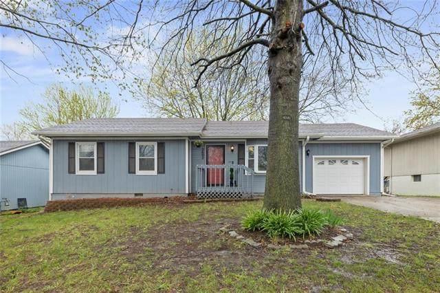 2602 Easton Street, Harrisonville, MO 64701 (MLS #2314620) :: Stone & Story Real Estate Group