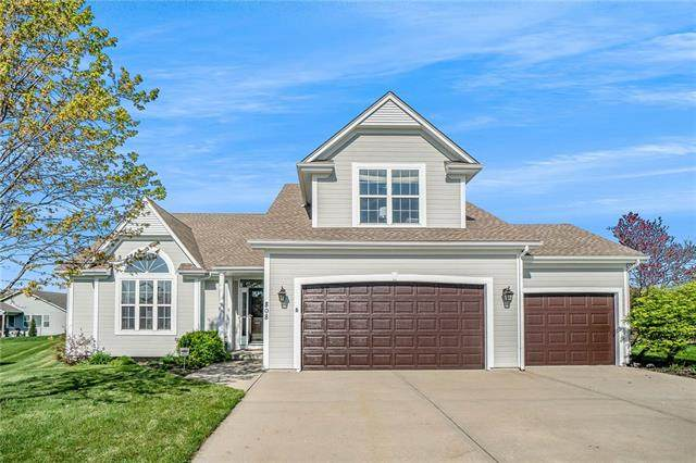 808 SW Stablewood Circle, Lee's Summit, MO 64081 (#2314708) :: The Shannon Lyon Group - ReeceNichols