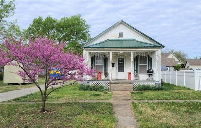 706 S Judson Street, Fort Scott, KS 66701 (#2314721) :: Dani Beyer Real Estate