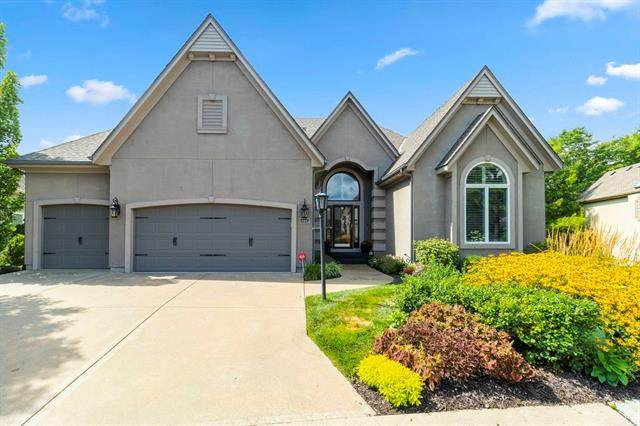 14441 Meadow Court, Leawood, KS 66224 (#2314724) :: Beginnings KC Team