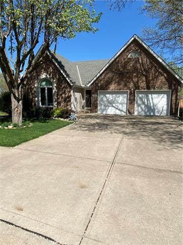 1900 NE Waterfield Lane, Blue Springs, MO 64014 (#2314761) :: Ron Henderson & Associates