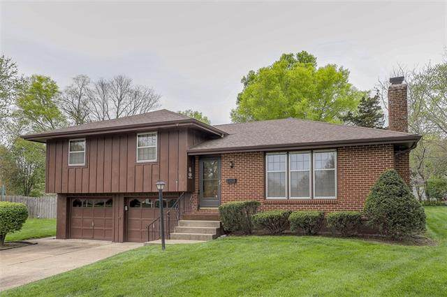 10801 E 65th Street, Raytown, MO 64133 (#2314764) :: The Kedish Group at Keller Williams Realty