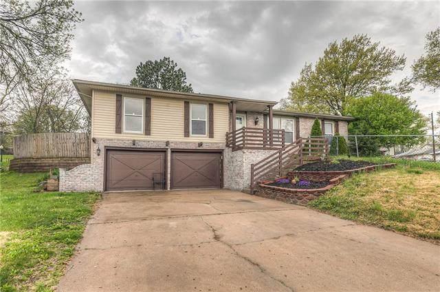 2754 N 72nd Street, Kansas City, KS 66109 (MLS #2314847) :: Stone & Story Real Estate Group