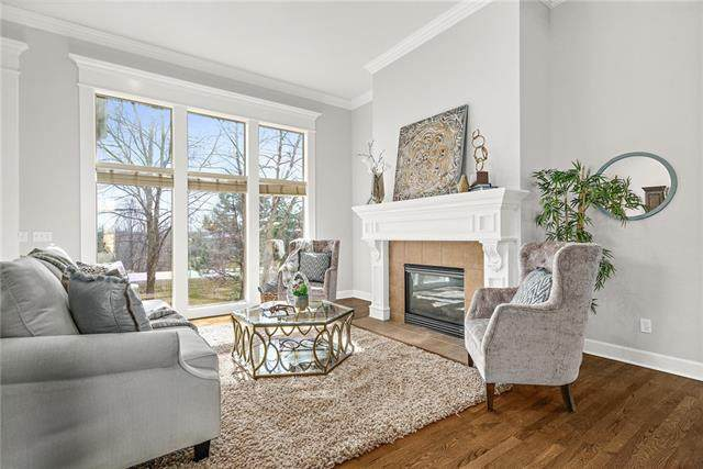 15023 Ash Street, Leawood, KS 66224 (#2314878) :: Ron Henderson & Associates