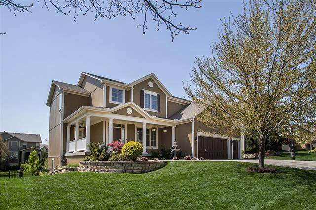 9219 W 157TH Terrace, Overland Park, KS 66221 (#2314903) :: Ron Henderson & Associates