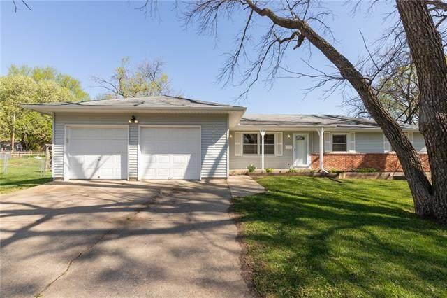 10802 W 71st Street, Shawnee, KS 66203 (#2314936) :: Ron Henderson & Associates