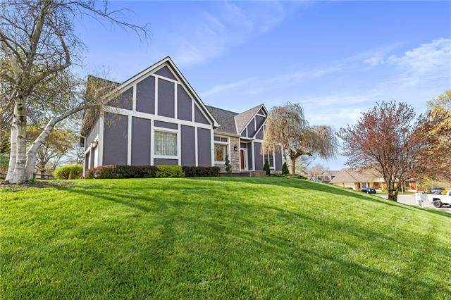 206 NW Redwood Court, Lee's Summit, MO 64064 (#2314942) :: Ask Cathy Marketing Group, LLC