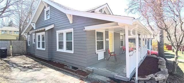 1017 E 75th Terrace, Kansas City, MO 64131 (#2314949) :: Ron Henderson & Associates