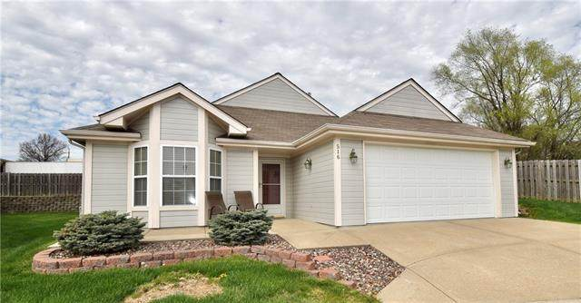 516 NW Durango Court, Blue Springs, MO 64014 (#2314962) :: Ask Cathy Marketing Group, LLC