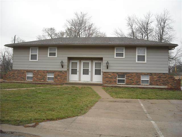 5820 E 149th Street, Grandview, MO 64030 (#2314983) :: The Gunselman Team