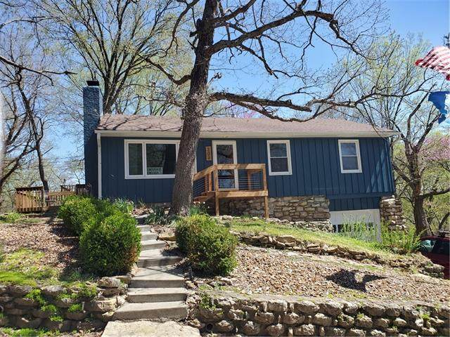 303 Lake Of The Forest Drive, Bonner Springs, KS 66012 (MLS #2315028) :: Stone & Story Real Estate Group