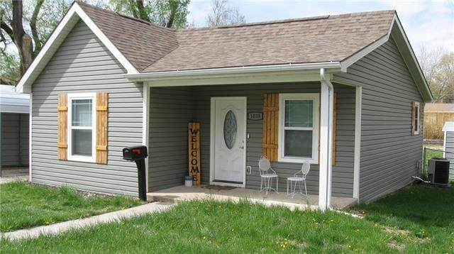 1038 S Locust Street, Ottawa, KS 66067 (MLS #2315037) :: Stone & Story Real Estate Group