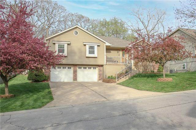 1204 SW 24th Street, Blue Springs, MO 64015 (#2315070) :: The Rucker Group