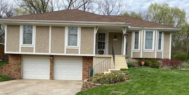 18212 E 24th Terrace, Independence, MO 64057 (#2315111) :: Austin Home Team