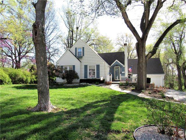 6125 Melrose Lane, Shawnee, KS 66203 (#2315128) :: Dani Beyer Real Estate