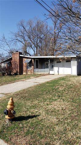 1100 S Appleton Avenue, Independence, MO 64053 (#2315141) :: The Gunselman Team