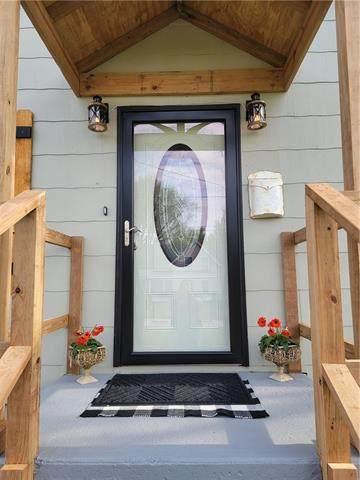 737 Brown Avenue, Osawatomie, KS 66064 (#2315156) :: Audra Heller and Associates