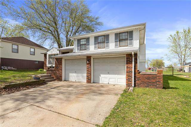19804 E 17th Terrace, Independence, MO 64056 (#2315186) :: Audra Heller and Associates