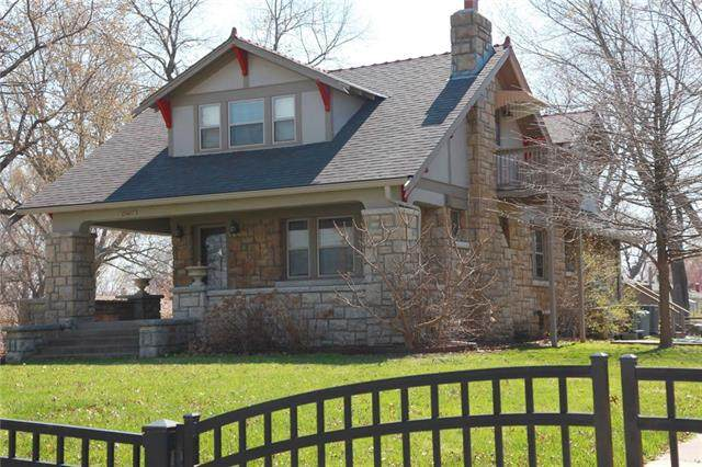 13407 E 35th Street, Independence, MO 64055 (#2315189) :: Team Real Estate