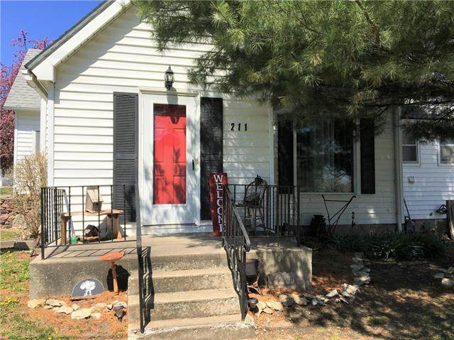 211 W Richardson Street, Gallatin, MO 64640 (#2315248) :: The Gunselman Team