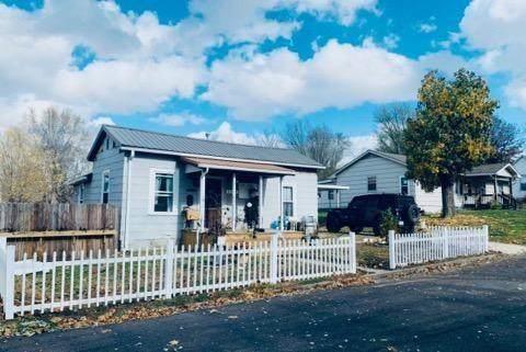 2106 Mckinley Street, Lexington, MO 64067 (#2315273) :: Audra Heller and Associates