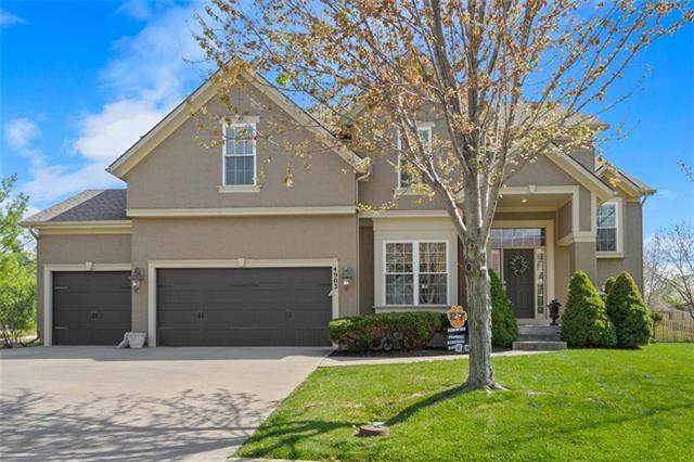 4903 W 155th Terrace, Overland Park, KS 66224 (#2315310) :: Team Real Estate