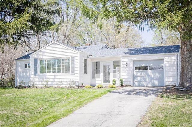 5110 Yecker Avenue, Kansas City, KS 66104 (#2315350) :: Ron Henderson & Associates