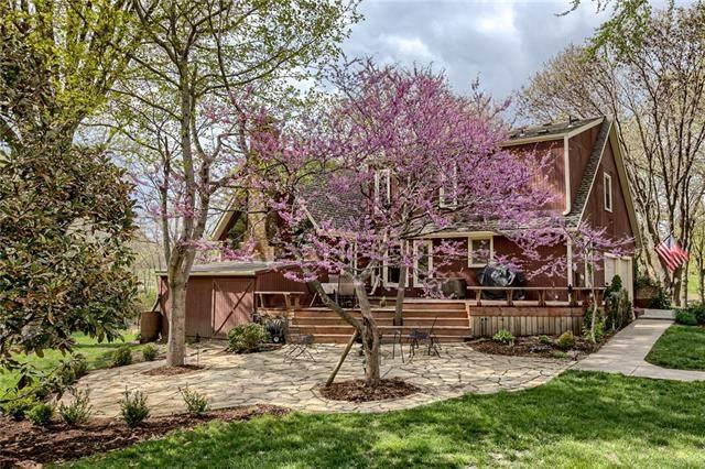9065 W 167th Street, Stilwell, KS 66085 (MLS #2315360) :: Stone & Story Real Estate Group