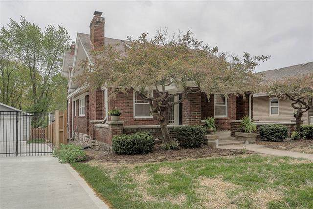 6021 Oak Street, Kansas City, MO 64113 (#2315379) :: Ron Henderson & Associates