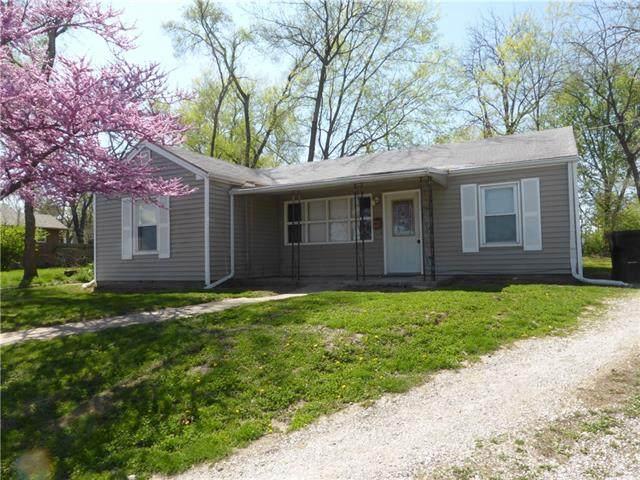 1126 N Noland Road, Independence, MO 64050 (#2315383) :: Eric Craig Real Estate Team