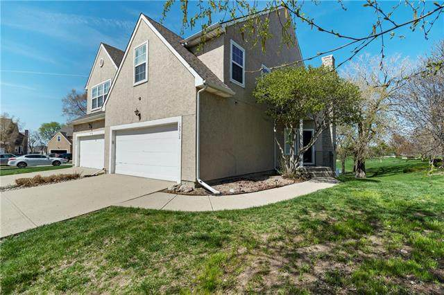 15902 W 91st Terrace, Lenexa, KS 66219 (#2315414) :: The Shannon Lyon Group - ReeceNichols