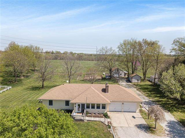 17135 Smith Road, Smithville, MO 64089 (#2315418) :: Ron Henderson & Associates