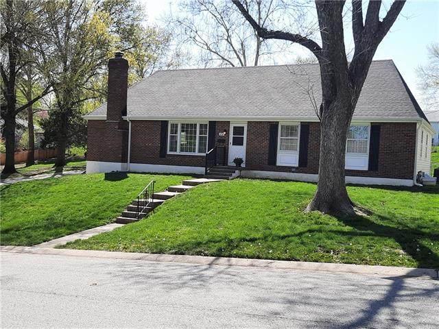 4730 NE Gladstone Avenue, Kansas City, MO 64119 (#2315424) :: Ron Henderson & Associates