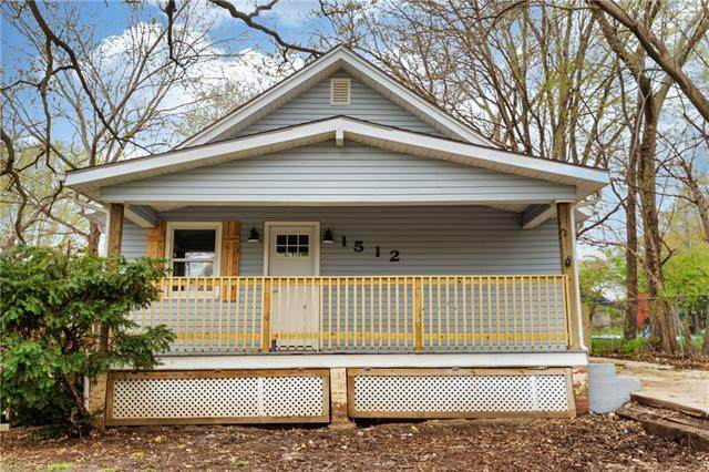 1512 S Osage Street, Independence, MO 64055 (#2315467) :: Ron Henderson & Associates