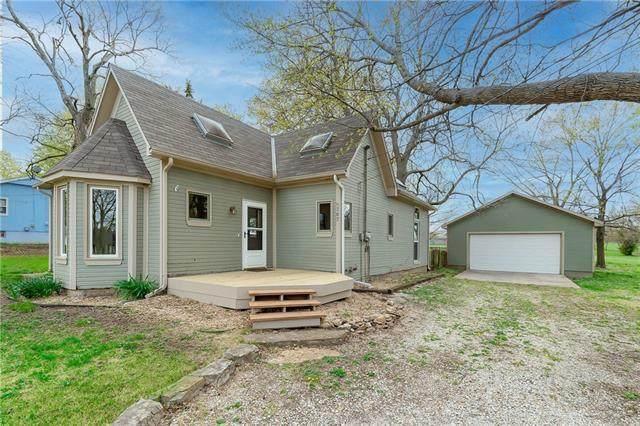 307 S Main Street, Spring Hill, KS 66083 (MLS #2315582) :: Stone & Story Real Estate Group