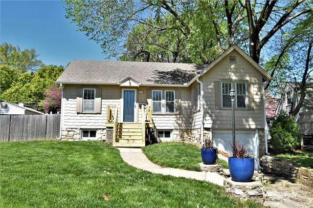 6018 Nall Avenue, Mission, KS 66202 (#2315596) :: Team Real Estate