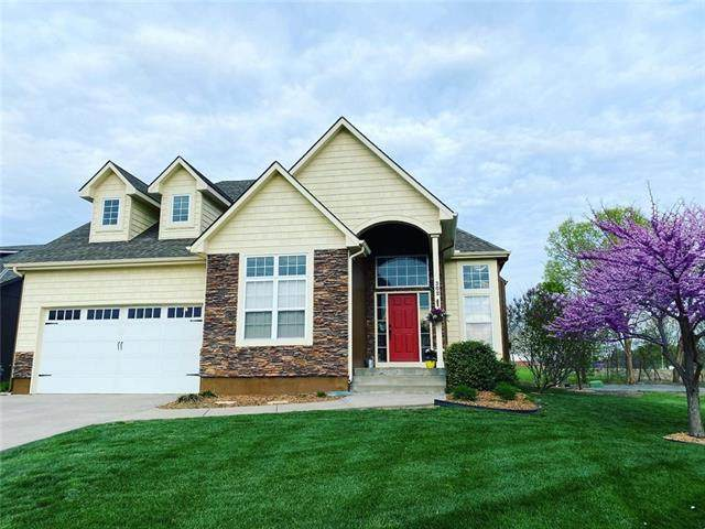 302 Kensington Square, Greenwood, MO 64034 (#2315604) :: The Shannon Lyon Group - ReeceNichols
