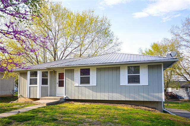 205 SE 51st Road, Warrensburg, MO 64093 (#2315697) :: The Shannon Lyon Group - ReeceNichols