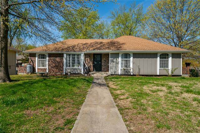 1213 SW 21st Street, Blue Springs, MO 64015 (#2315716) :: Ask Cathy Marketing Group, LLC