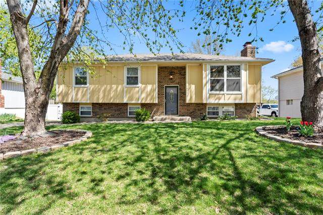 1413 N Downers Place, Independence, MO 64056 (#2315731) :: Ron Henderson & Associates