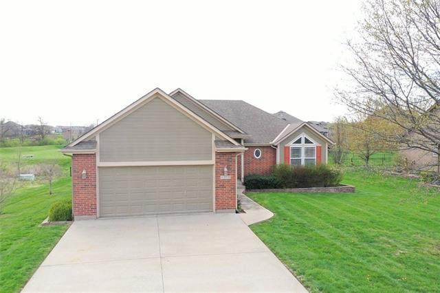 4308 SW Flintrock Drive, Lee's Summit, MO 64082 (#2315733) :: Team Real Estate