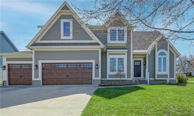 21527 W 51st Terrace, Shawnee, KS 66226 (#2315751) :: Dani Beyer Real Estate