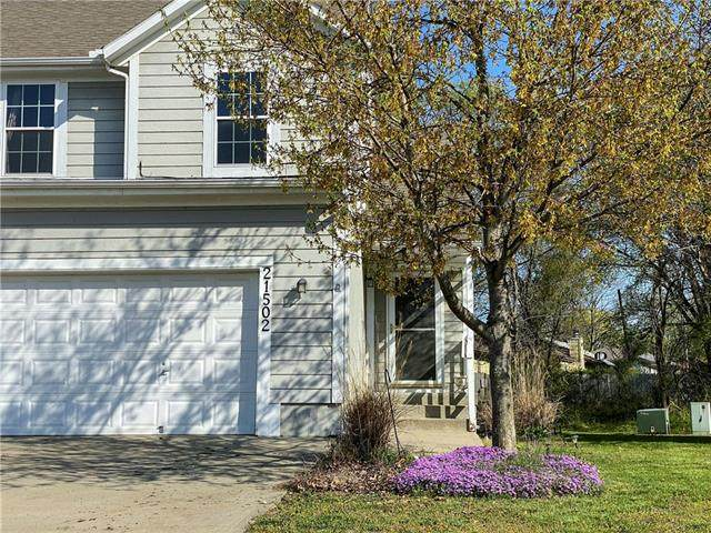 21502 S Main Street, Spring Hill, KS 66083 (#2315791) :: Ron Henderson & Associates