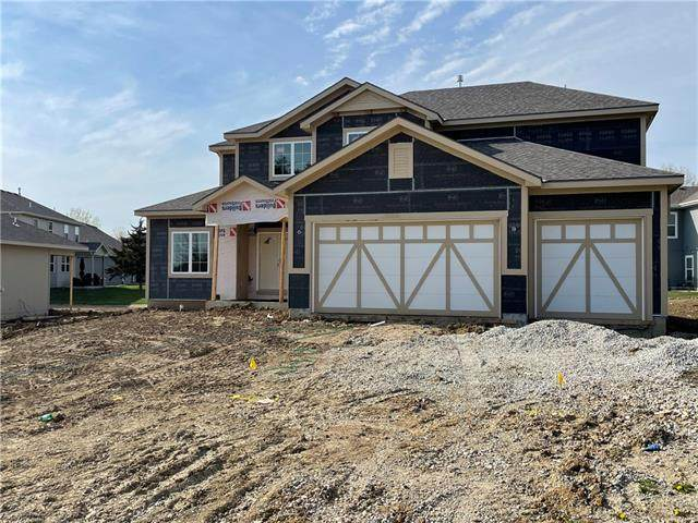 814 155 Terrace, Basehor, KS 66007 (MLS #2315815) :: Stone & Story Real Estate Group