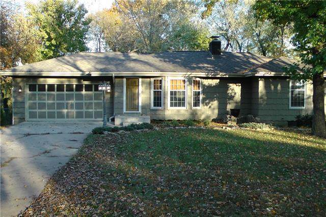 14905 Mission Road, Leawood, KS 66224 (#2315870) :: Beginnings KC Team