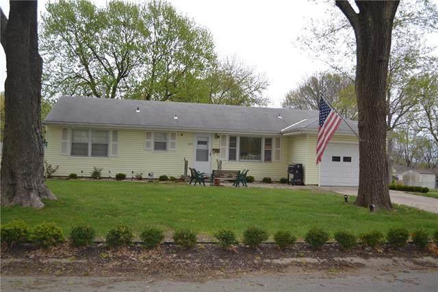 3615 S Spring Street, Independence, MO 64055 (#2315908) :: Dani Beyer Real Estate