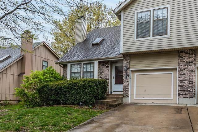 11810 Oakmont Street, Overland Park, KS 66210 (#2315940) :: Dani Beyer Real Estate