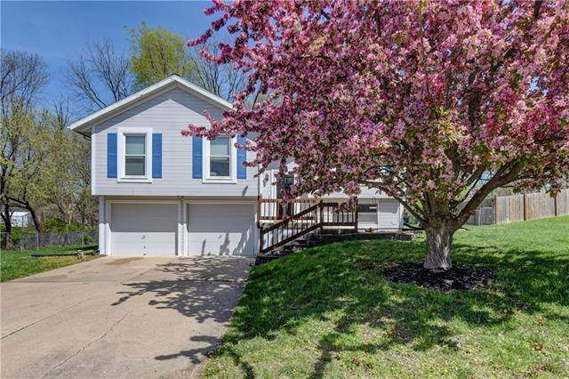 7904 Little Lane, Pleasant Valley, MO 64068 (#2315967) :: Ask Cathy Marketing Group, LLC